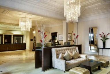 The Royal Horseguards Hotel & One Whitehall Place: Lobby