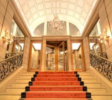 Tagungshotel Com Fairmont Hotel Vier Jahreszeiten Fur Hamburg