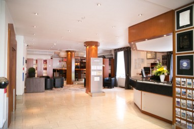 BEST WESTERN PLUS Crown Hotel: Bar/Lounge
