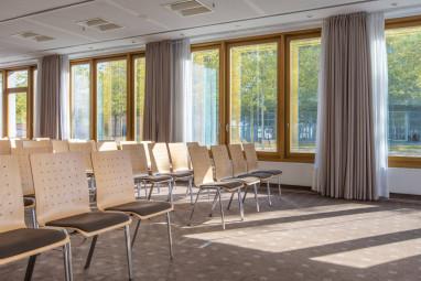 radisson blu hotel hannover f r hannover braunschweig niedersachsen. Black Bedroom Furniture Sets. Home Design Ideas