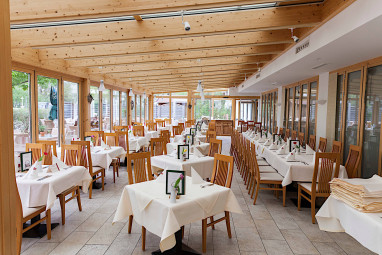 ... Wellness/Spa Hotel St. Georg: Bar/Lounge ...