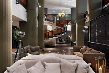 TRYP by Wyndham Bad Bramstedt: Lobby