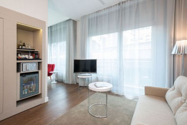 NH Collection Berlin Friedrichstrasse: Suite