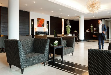 WELCOME HOTEL EUSKIRCHEN: Lobby