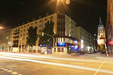 tryp hotel m nchen city center f r. Black Bedroom Furniture Sets. Home Design Ideas