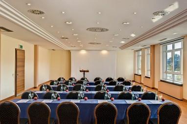 Sorat insel hotel regensburg f r for Designhotel regensburg