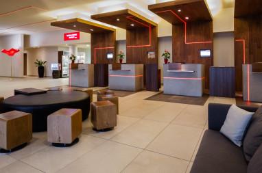 m nchen airport marriott hotel f r. Black Bedroom Furniture Sets. Home Design Ideas