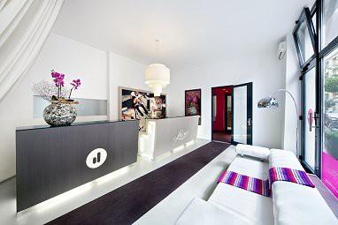 lux 11 berlin mitte lux 11 berlin mitte. Black Bedroom Furniture Sets. Home Design Ideas